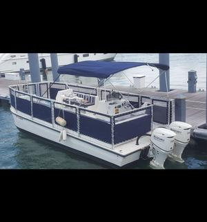 type of boat rental in Miami Beach, FL