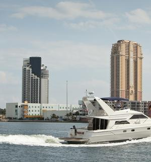 type of boat rental in Miami,